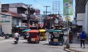 Trikes on Dumaguete's main road